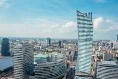 Sikt av Warszawastaden uppifrån av slotten av kultur och vetenskap i Warszawa, Polen Arkivfoto