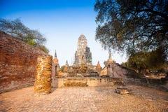 Sikt av Wat Ratburana i Ayutthaya, Thailand Royaltyfria Bilder