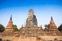 Sikt av Wat Ratburana i Ayutthaya, Thailand Royaltyfri Bild