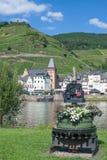 Sikt av Zell, Mosel flod, Mosel dal, Tyskland Royaltyfri Foto