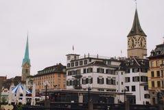 Sikt av Zurich, huvudstaden av Schweiz arkivfoton