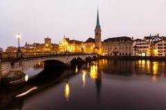 Sikt av Zurich och den gammala stadsmitten Arkivbilder