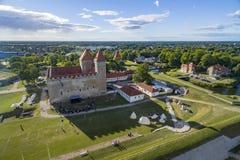 Sikt för öga för fåglar för Kuressaare slottgård HDR royaltyfria bilder