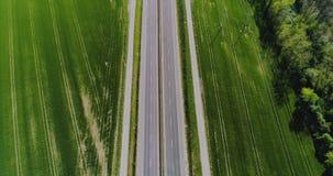 Sikt för övergående huvudväg för bil flyg- lager videofilmer