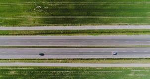 Sikt för övergående huvudväg för bil flyg- arkivfilmer