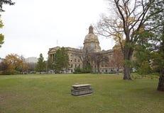 Sikt för Alberta Legislature byggnadssida Royaltyfri Foto