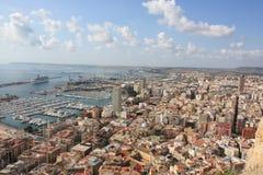 sikt för alicante stadshamn Arkivfoton
