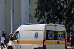 Sikt för ambulansbilbaksida royaltyfria bilder