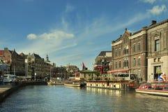 Sikt för Amsterdam stadsmitt Royaltyfri Foto