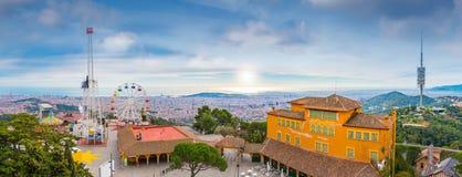 Sikt för Barcelona stadspanorama från monteringen Tibidabo Fotografering för Bildbyråer