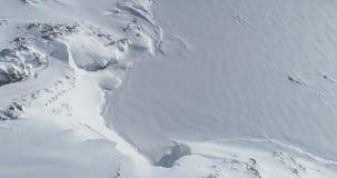 Sikt för berg för Antarktis vintersnö flyg- arkivfilmer