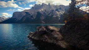 Sikt för berg för sjöminnewankabannf Royaltyfri Fotografi