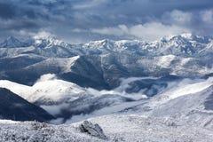 Sikt för bergsnölandskap Royaltyfri Fotografi