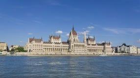 sikt för byggnadslawnlondon parlament Royaltyfri Bild