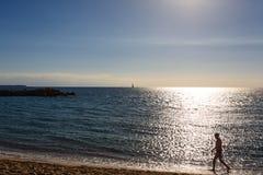 Sikt för Cannes stranddag, Frankrike Royaltyfri Foto
