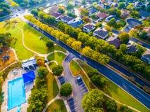 Sikt för fågelöga Autumn Colors Aerial på historiska hem i Austin, Texas Fotografering för Bildbyråer