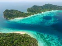 Sikt för fågelöga av den Rok ön, Thailand Fotografering för Bildbyråer