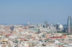 Sikt för fågelöga av det Agbar tornet i Barcelona Arkivbild