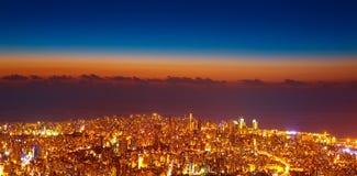 Sikt för fågelöga av nattcityscape royaltyfria foton