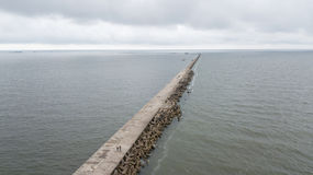 Sikt för flyg- surr för Liepaja Lettland Östersjön sjösida bästa arkivbilder