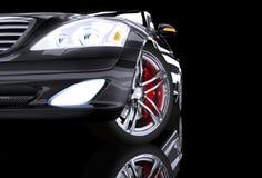 Sikt för främre sida på den svarta prestigebilen Royaltyfri Foto
