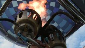 Sikt för gasbrännare för ballong för varm luft från korg arkivfilmer
