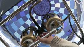 Sikt för gasbrännare för ballong för varm luft från korg lager videofilmer