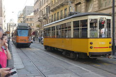 Sikt för gata för Milano stadsmitt med drev Royaltyfri Foto