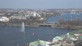 Sikt för hög vinkel av Alster sjön i Hamburg arkivfilmer