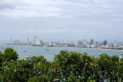 Sikt för hög vinkel av den Pattaya hamnen i Thailand arkivfoton