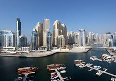 Sikt för hög vinkel för Dubai marina Arkivbilder