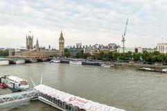 Sikt för hög vinkel från det London ögat: Westminster bro, Big Ben Arkivbilder
