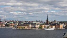 Sikt för hög vinkel på den Riddarholmen ön i Stockholm stock video