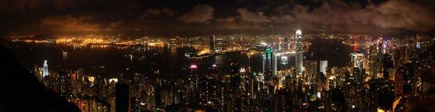 sikt för Hong Kong nattpanorama Arkivfoton