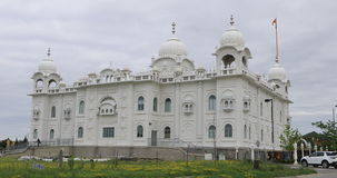 sikt för 4K UltraHD av Gurdwara Dashmesh Darbar den sikh- templet i Brampton, Kanada lager videofilmer