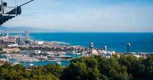 Sikt för kabelbil i Barcelona, Spanien arkivfoton