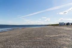 Sikt för lågvattenMatane kust av helgonet Lawrence River på sommar Royaltyfri Fotografi