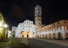 Sikt för Lucca stadsnatt Arkivbild