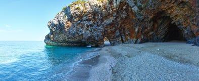 Sikt för Mylopotamos strandsommar (Grekland) panorama Arkivbilder