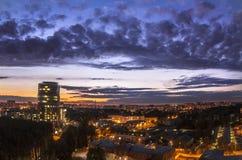 sikt för natt för stadsexponering lång Royaltyfri Bild