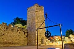 Sikt för natt för Zadar stentorn Arkivbild
