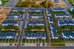 Sikt för nya hus från över Fotografering för Bildbyråer
