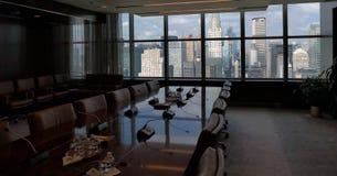 Sikt för panorama för New York City Manhattan midtown flyg- med skyskrapor och blå himmel i dagen Royaltyfri Bild