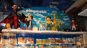 Sikt för Playmobil samlingsleksaker, New York City shopping, USA Arkivfoto