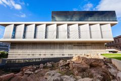 sikt för rätsida för acropolisathens museum arkivfoto