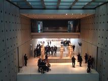sikt för rätsida för acropolisathens museum Royaltyfria Foton