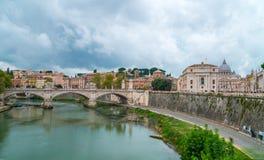 Sikt för Rome CityscapeVaticanen arkivfoton