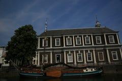 Sikt för Schiedam södra Holland kanalgata Arkivbilder
