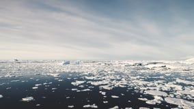 Sikt för seascape för öppet vatten för Antarktis bränning flyg- arkivfilmer