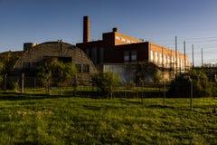Sikt för sen afton av den övergav kraftverket i New York Royaltyfri Bild